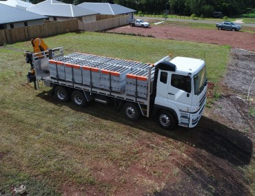 Alloy tray on Brick truck with Crane-1422x800.jpg