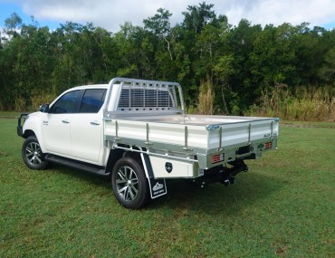 Alloy Dual Cab Hilux Painted sides (8).jpg