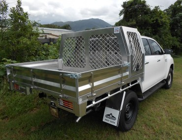 Alloy tray with Dog Cage on Hilux DC.jpg
