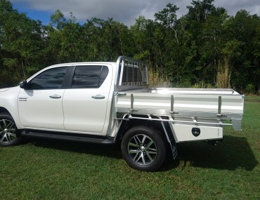 Alloy Dual Cab Hilux Painted sides (7).jpg