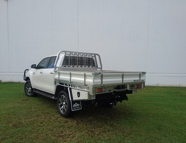 Alloy Dual Cab Hilux Painted sides (2).jpg
