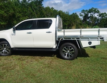 Alloy Dual Cab Hilux Painted sides (5).jpg
