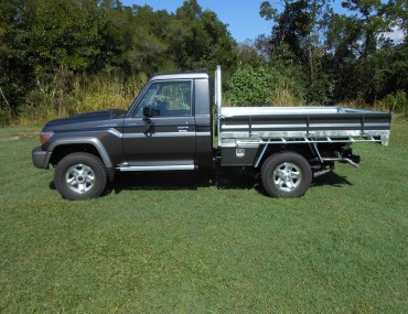 Landcruiser S-Cab Gal tray alloy painted sides (3).jpg