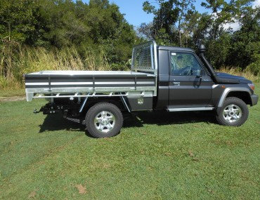 Landcruiser S-Cab Gal tray alloy painted sides (4).jpg