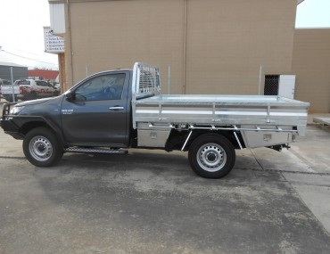 Single Cab Hilux gal - rear drawer WT and TB (7).jpg
