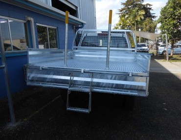 Isuzu D Max 4x4 Gal tray with step (3).jpg
