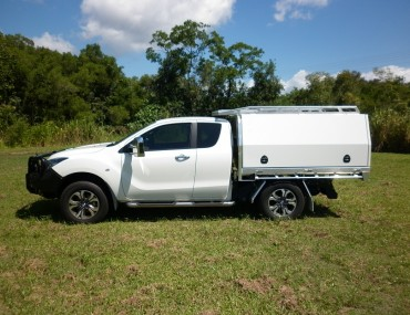 Mazda BT50 extra cab alloy tray painted 3 door canopy (13).jpg