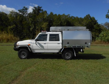 SES Landcruiser with canopy etc jun 2018 (15).jpg