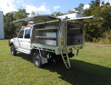SES Landcruiser with canopy etc jun 2018 (9).jpg